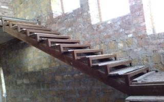 Как сварить лестницу из металлического уголка